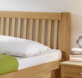 Bett Glarus mit elegantem Sprossen-Kopfteil