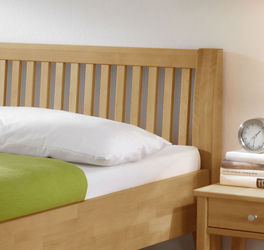 Massives Bett Glarus Komfort mit Latten-Kopfteil