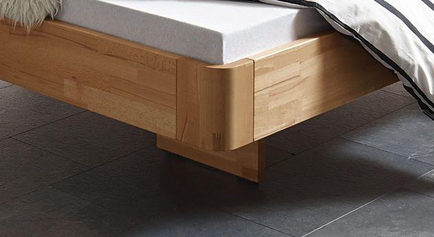 Bett Grevena mit stabilen Holzfüßen