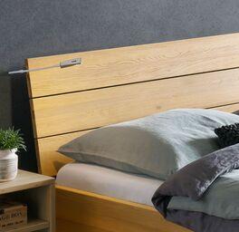 Bett Hamar Kopfteil aus robustem Massivholz