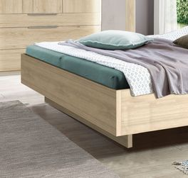 Bett Hayward in geradlinigem Design
