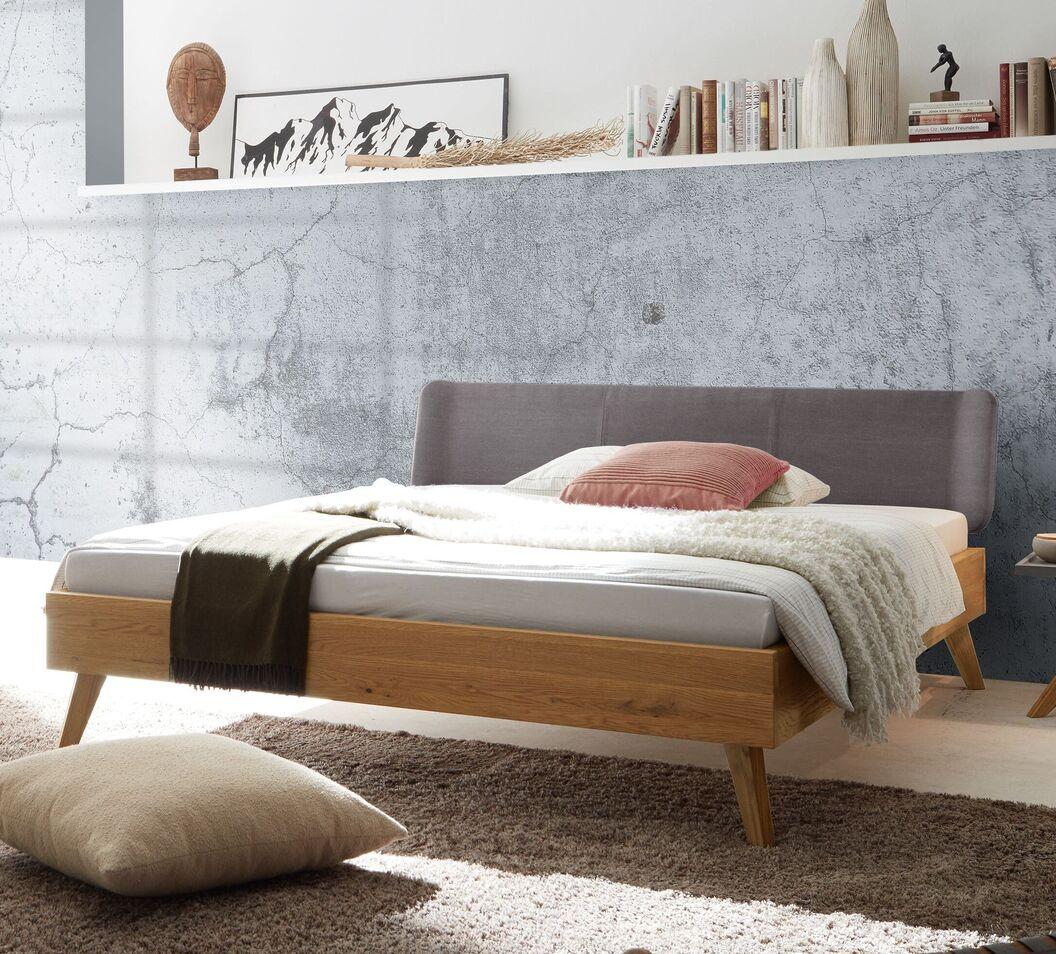 Bett Sandel in angesagtem Retro-Design