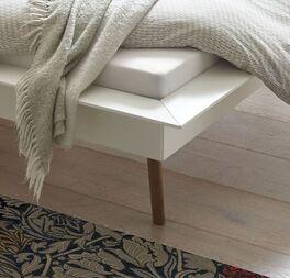 Bett Isonreo mit modernem Rahmen
