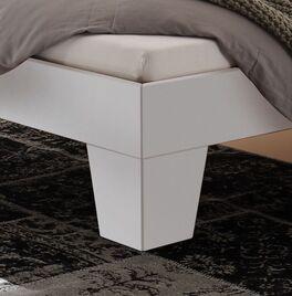 Weißes Bett Kieran mit stabilen Winkelfüßen