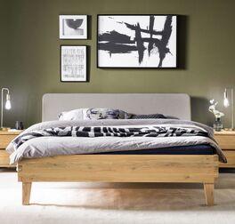 Bett Kiljan in natürlichem Look