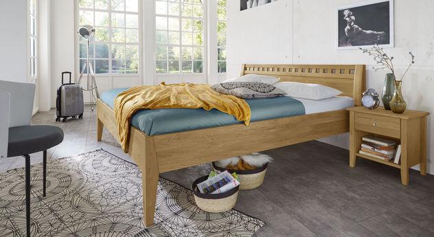 Holzbett Lancy mit passenden Produkten