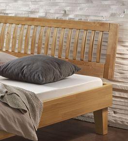 Bett Laredo mit Sprossenkopfteil aus Massivholz