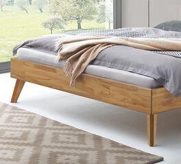 Bett Laxton aus robustem Massivholz