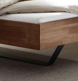 Bett und Liege Locurio mit Bettrahmen in Komfort-Höhe