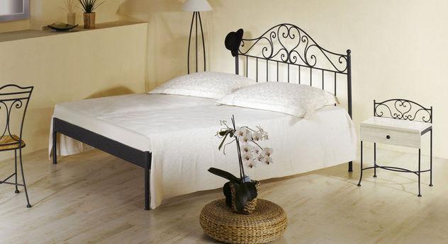 Romantisches Bett Loria in silber-gewischtem  Anthrazit