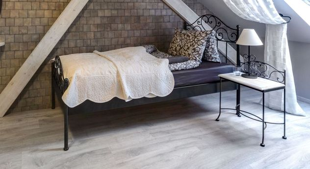 Bett Loria in praktischer Einzelbett-Größe