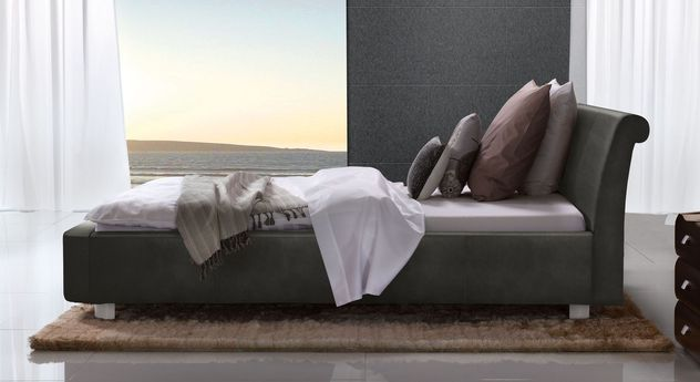 Anthrazitfarbenes Bett Macuma mit 10 cm Fußhöhe