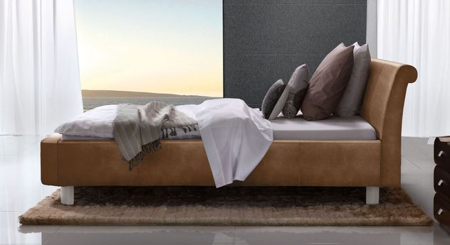 Braunes Bett Macuma mit 20 cm Fußhöhe