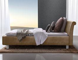 Bett Macuma mit Kopfteil in Komfort-Höhe