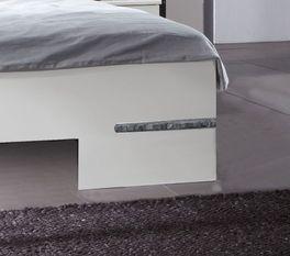 Modernes Bett Manati mit flachen Bettbeinen