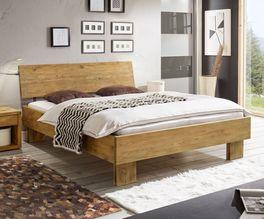 Bett Maraba aus stabilem Wildeichenholz