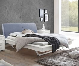 Bett Markia in stilvollem Materialmix