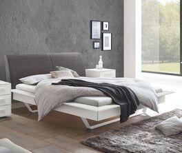 Bett Markia in zweifarbigem Design