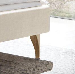 Bett Marla mit stabilen Eichenholz-Füßen