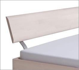 Bett Monza mit geschwungener Metall-Halterung am Kopfteil