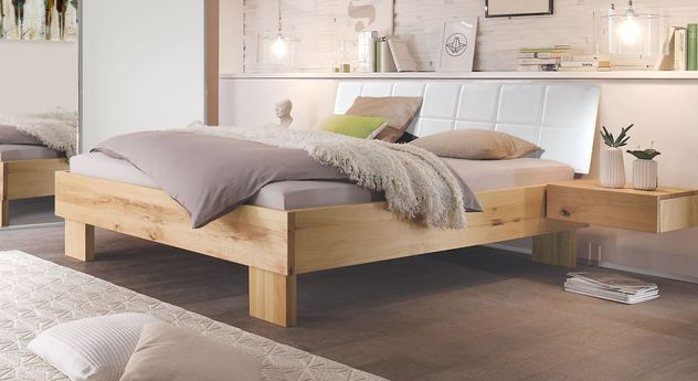 Modernes Bett Nemea in naturfarbener Wildbuche