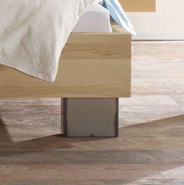 Bett Paleo mit patinierten Stahlfüßen