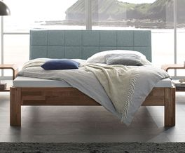 Hochwertiges Bett Pello aus Massivholz