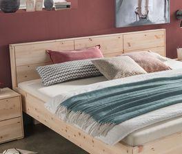 Bett Pirkas Kopfteil aus Echtholz