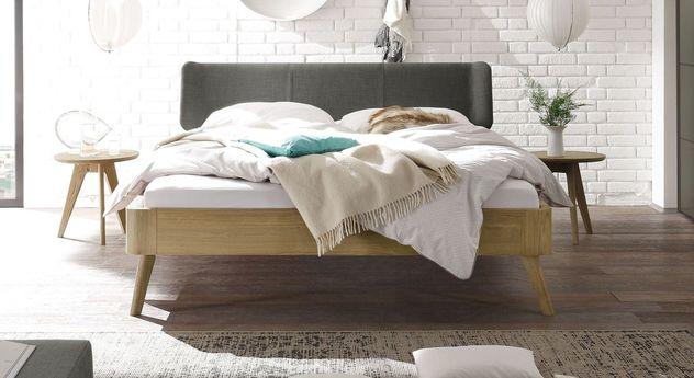 Bett Rakaia mit 25 cm Fußhöhe und anthrazitfarbenem Kopfteil