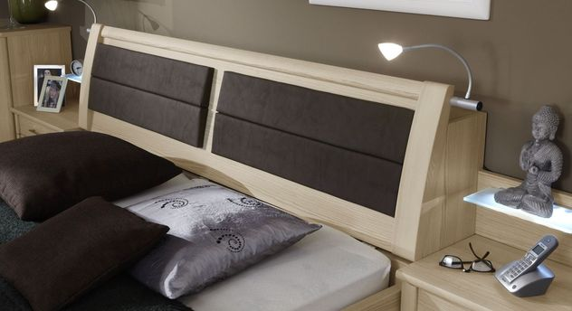 Betten Rapino mit praktischem Stauraum-Kopfteil