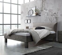 Robustes Bett Solidea aus Akazienholz