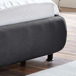 Trendiges Bett Sumaya mit abgerundetem Bettrahmen