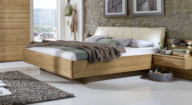 doppelbett schwebend mit gepolstertem kunstleder kopfteil. Black Bedroom Furniture Sets. Home Design Ideas
