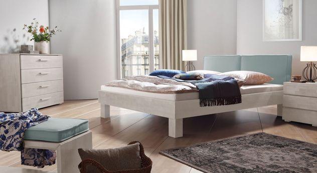 Bett Tiago mit passenden Schlafzimmer-Möbeln