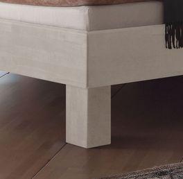 Bett Tiago mit stabilen Vollholz-Füßen
