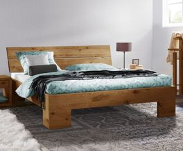 bett mit schr gem kopfteil aus rustikaler wildeiche titao. Black Bedroom Furniture Sets. Home Design Ideas