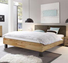 Holzbett Tonala mit markanter Maserung