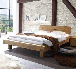 Bett Trecera aus hochwertigem Massivholz