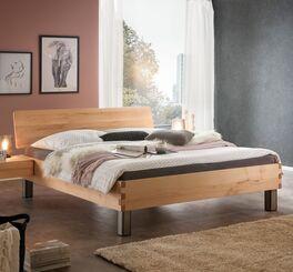 Modernes Bett Valmar aus Wildbuchenholz
