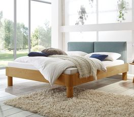 Bett Velasco aus hochwertigem Echtholz