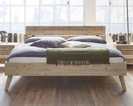 Bett Vesanto aus gebürstetem und lackiertem Holz