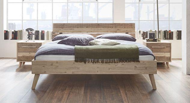 Rustikales Bett Vesanto in hochwertiger Qualität