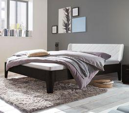 Massives Bett Viamao mit 18 cm Bettrahmen