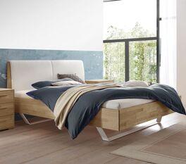 Modernes Bett Weronco aus massivem Holz