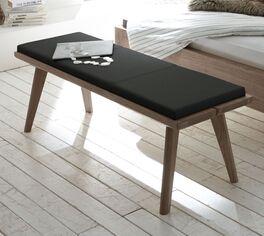 Filigrane Bettbank Inesis aus Eichenholz