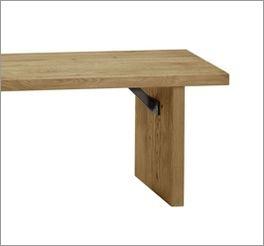 Bettbank Valdivia mit starker Maserung im Holz