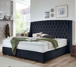 Stilvolles Boxspringbett Bridgeport mit Chesterfield-Steppung