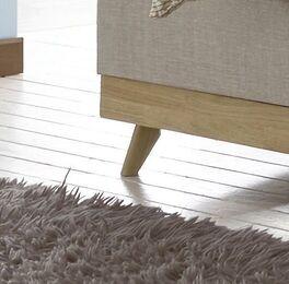 Boxspringbett Sivar mit eleganten Holz-Füßen