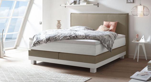 boxspring komplettbett mit hohem kopfteil inkl stehsaum sola. Black Bedroom Furniture Sets. Home Design Ideas