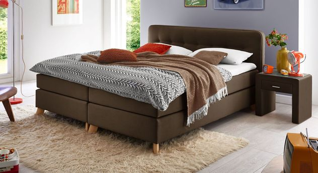 Komfortables Boxspringbett Summerford in warmem Braun